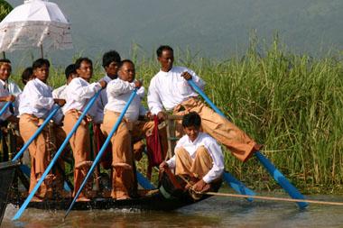 村のボート
